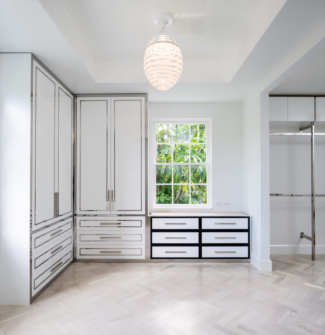 polished-modern-closet-1