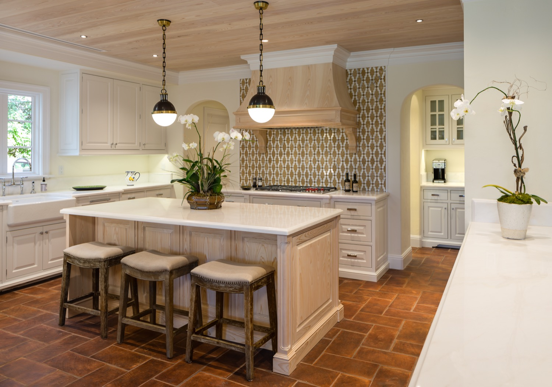 warm-traditional-kitchen-1